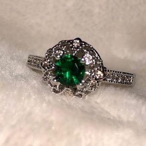 Silvertone sparkling CZ & green stone ring, size 9
